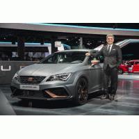 Arona, León CUPRA R y Amazon Alexa, protagonistas de SEAT en la Group Night del Grupo Volkswagen en el IAA 2017